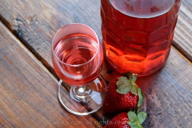 将草莓龙舌兰酒用于鸡尾酒或啜饮