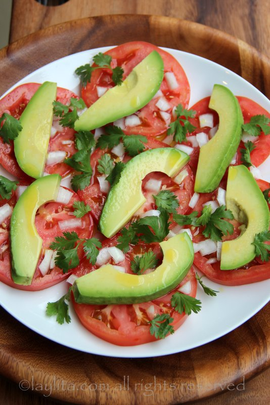简易牛油果番茄沙拉