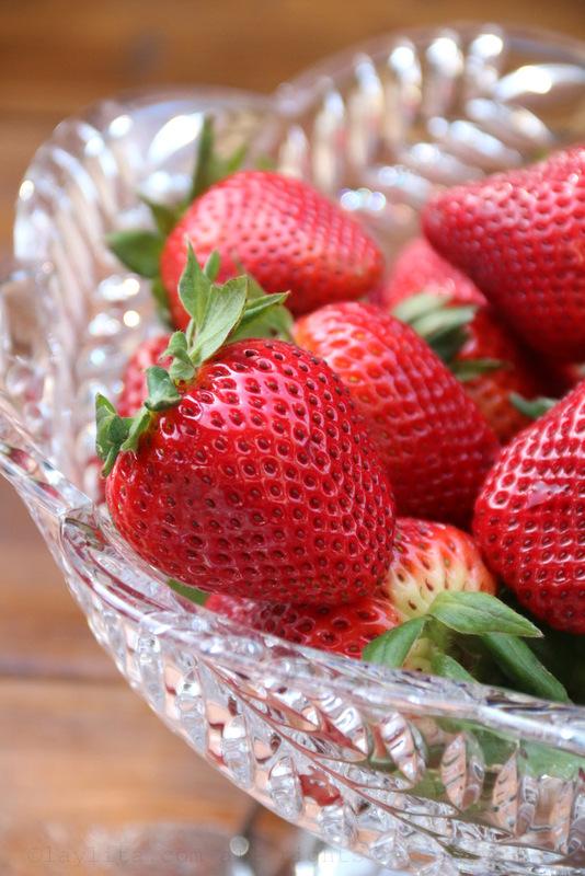 美味草莓做蛋糕