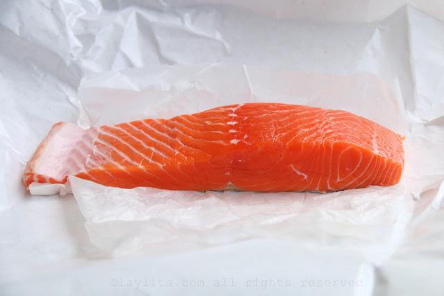 鞑靼的新鲜野生三文鱼