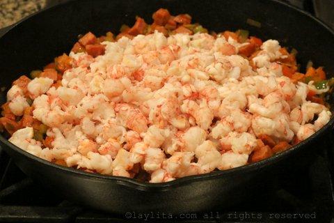 加入海蟹虾或小龙虾