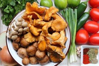 蘑菇玉米汤的食材