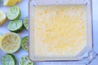 将芒果混合均匀